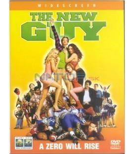Z nuly hrdinou (The New Guy)